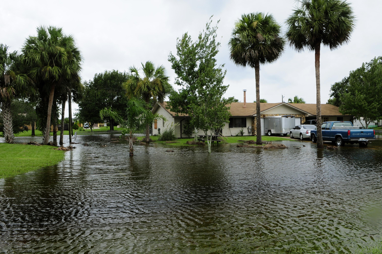 File:FEMA - 37590 - Community Flooding in Florida.jpg