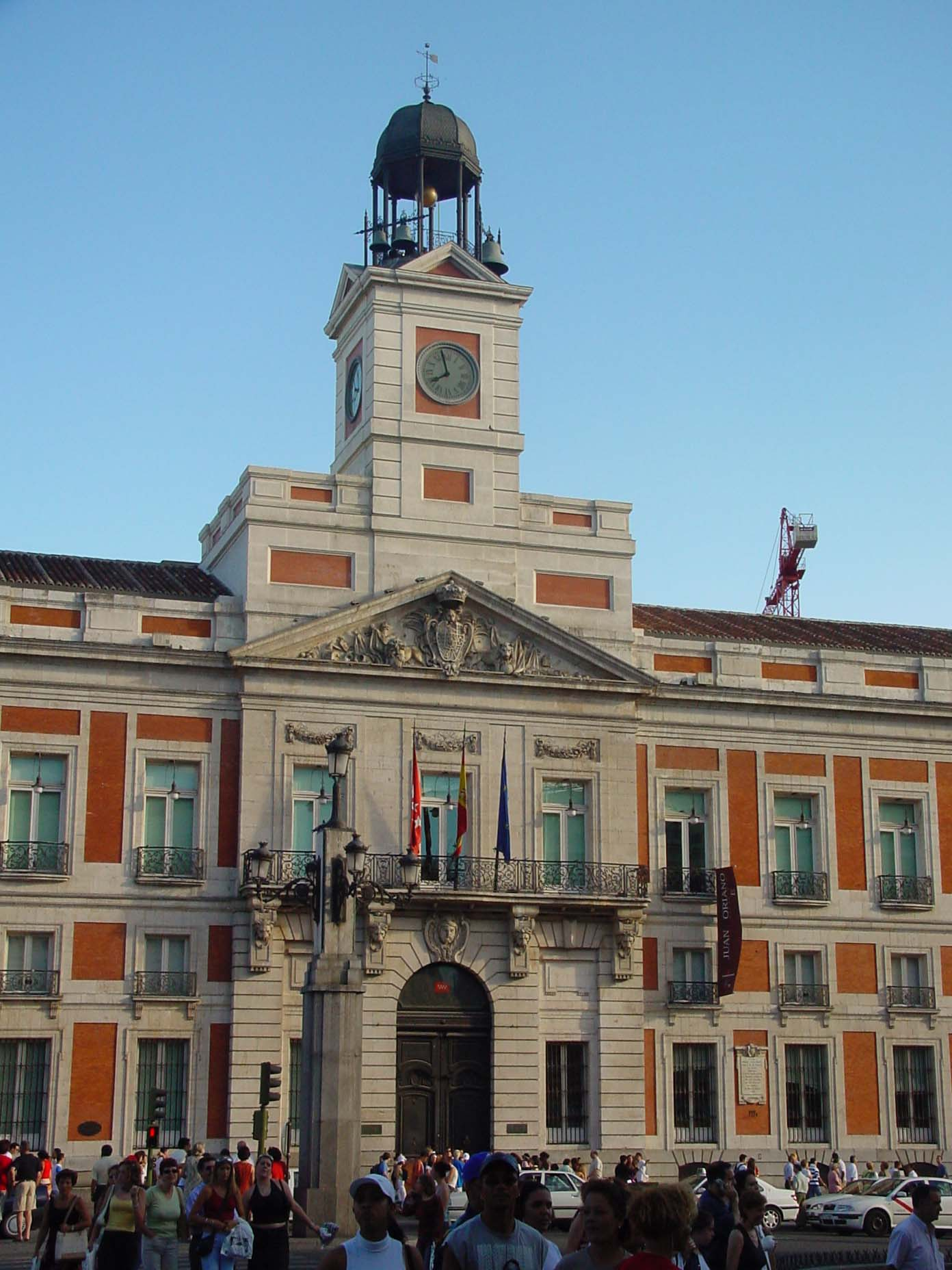 File fachada de la casa de correos en la puerta del sol de for Casa de correos madrid