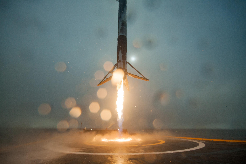 File:First stage of Jason-3 rocket (24382360351).jpg