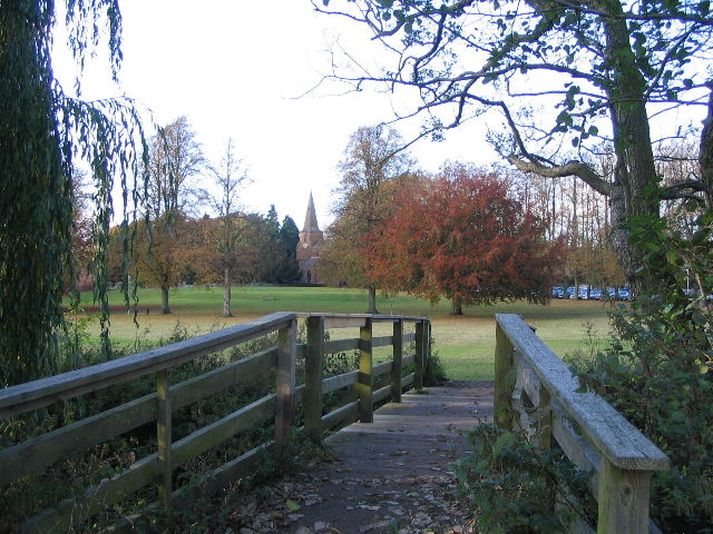 Footbridge, Abbey Fields - geograph.org.uk - 602056