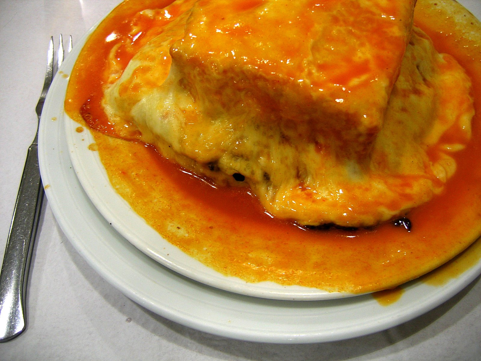 Francesinha wikipedia a enciclopedia libre for Cocina moderna wikipedia