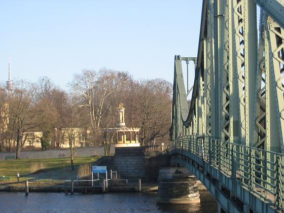 Glienicker Brücke - Quelle: Wikipedia