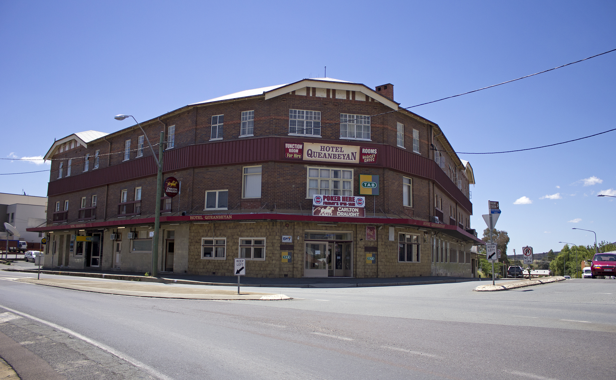 File Hotel Queanbeyan On The Corner Of Uriarra Road And Crawford Street Jpg