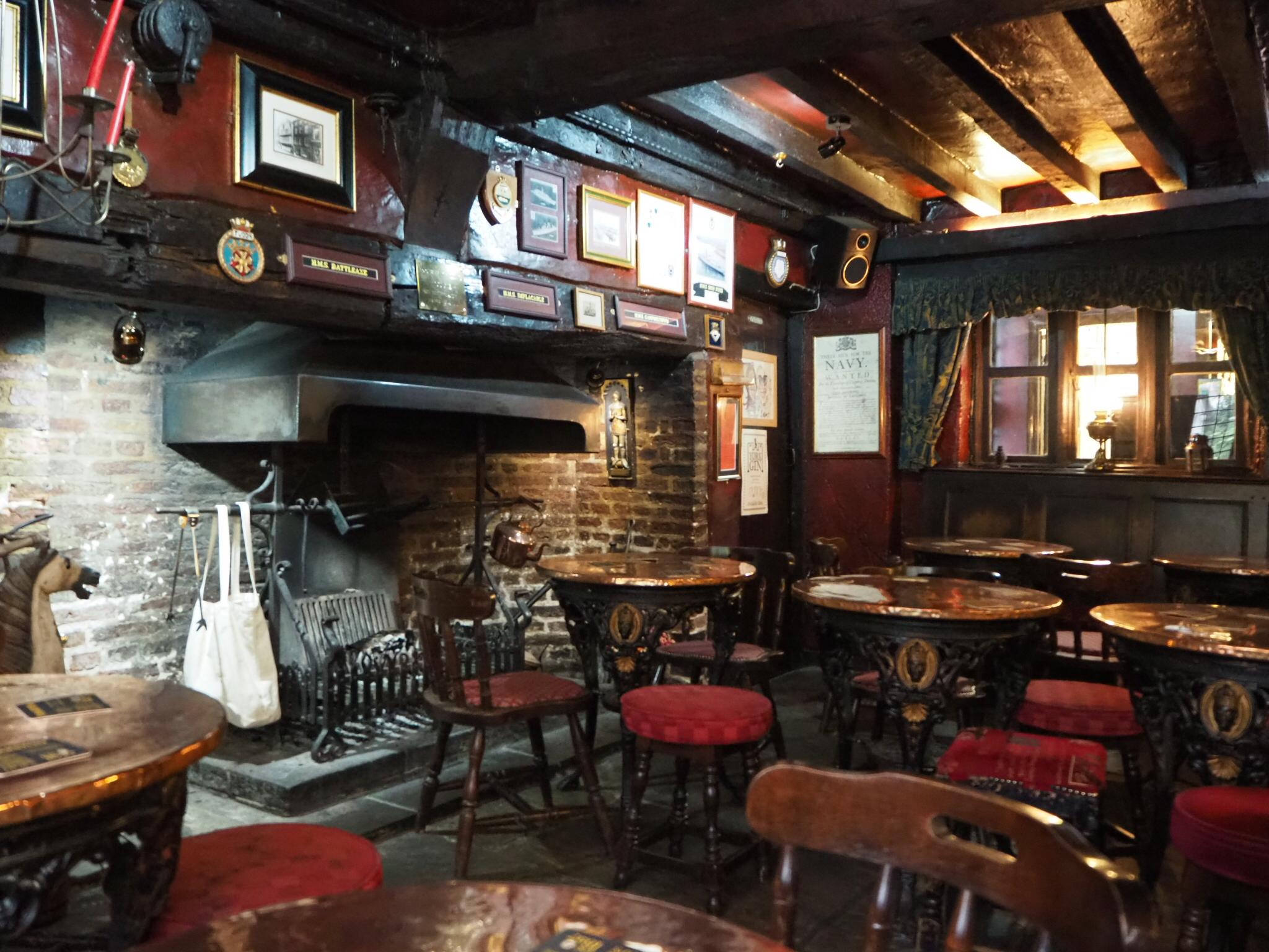 Outstanding File Ingle Bar Black Swan York Wikimedia Commons Lamtechconsult Wood Chair Design Ideas Lamtechconsultcom