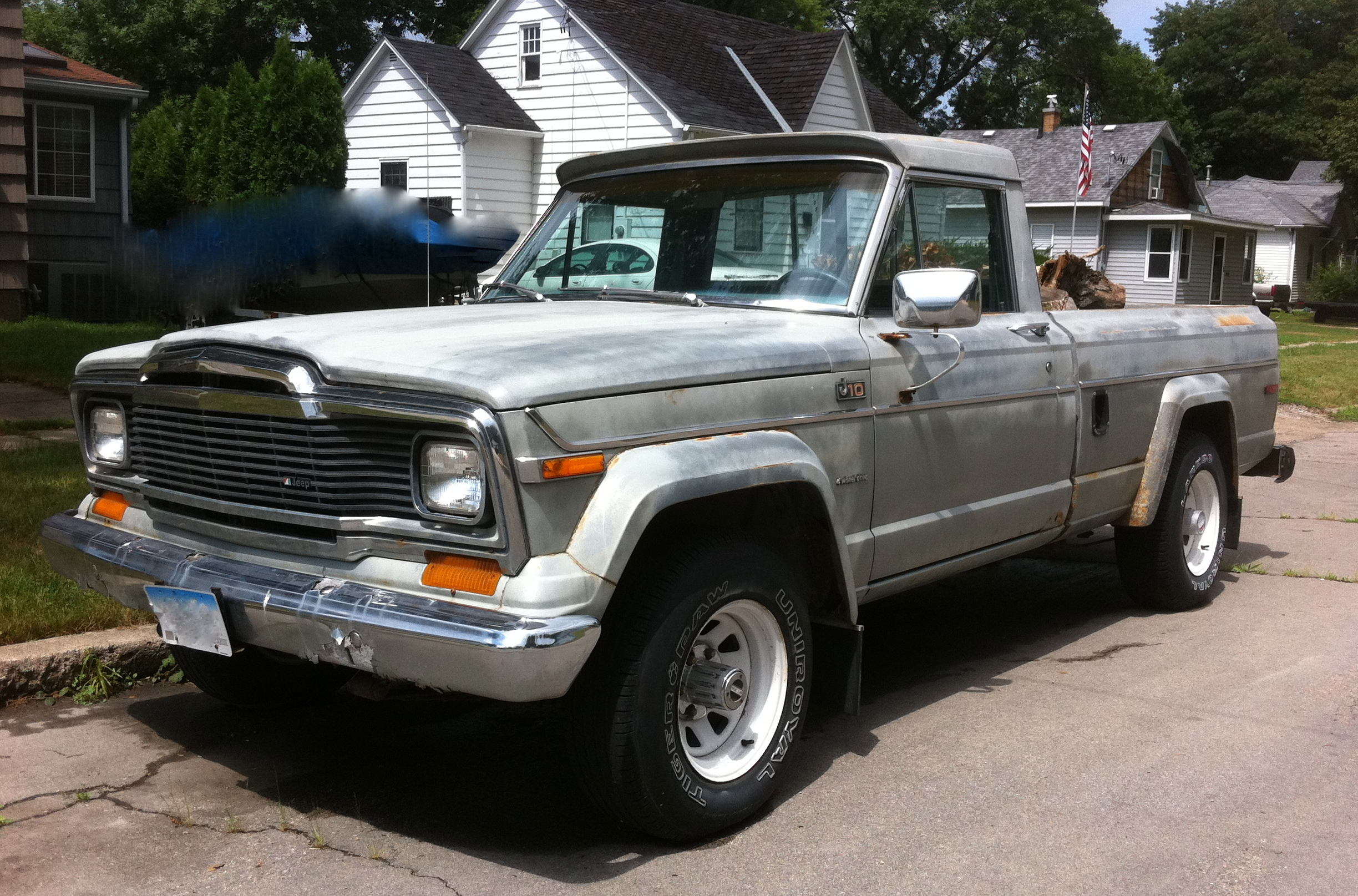 Jeep Wrangler Wiki >> File:Jeep J-10 pickup truck grey-fl.jpg - Wikimedia Commons