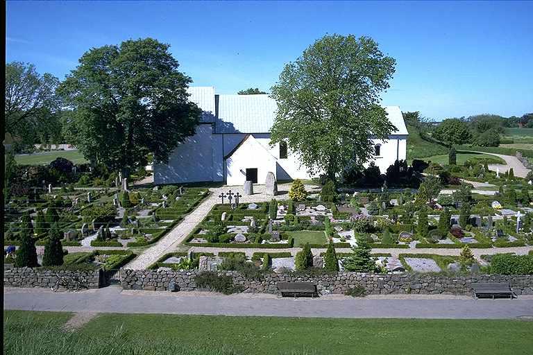 File:Jellinge kyrka, Jylland - KMB - 16000300015150.jpg