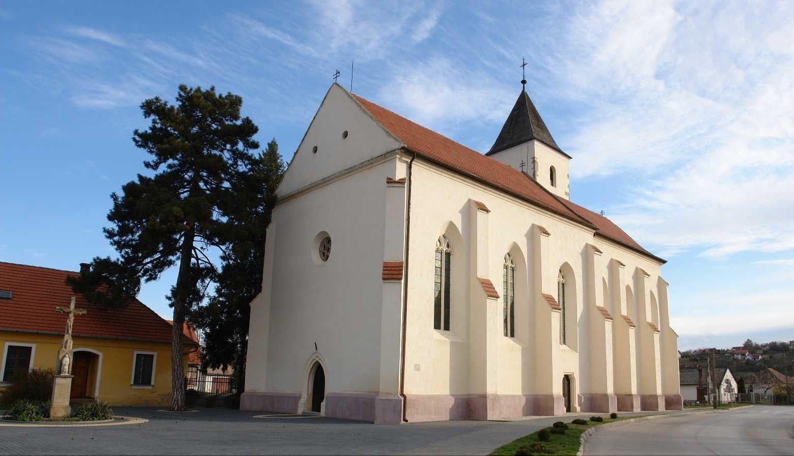 K�r�shegy, ferences templom