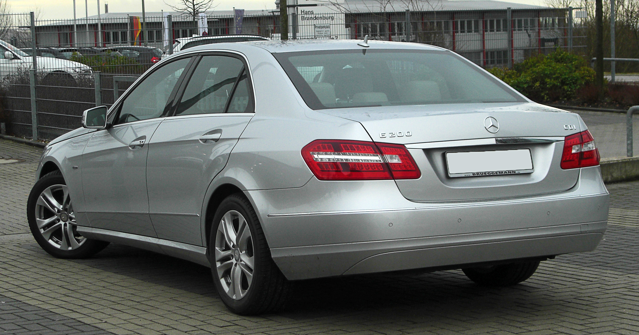 mercedes benz e 200 cdi blueefficiency avantgarde w 212 rear. Black Bedroom Furniture Sets. Home Design Ideas