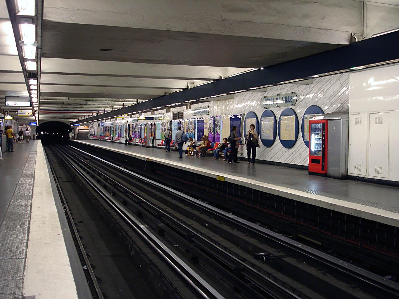 Hôtel de Ville (metrostation)