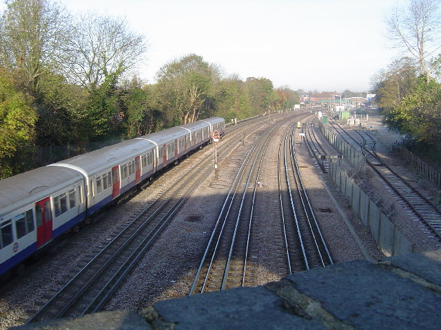 Metropolitan Line railway at Northwood - geograph.org.uk - 83694