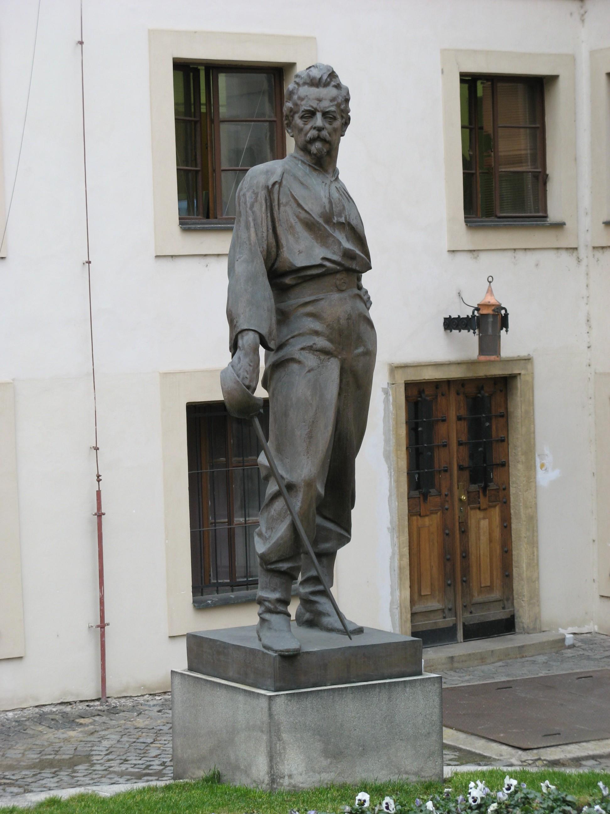 https://upload.wikimedia.org/wikipedia/commons/9/9d/Miroslav_Tyrs_%28Ladislav_Saloun%29.jpg