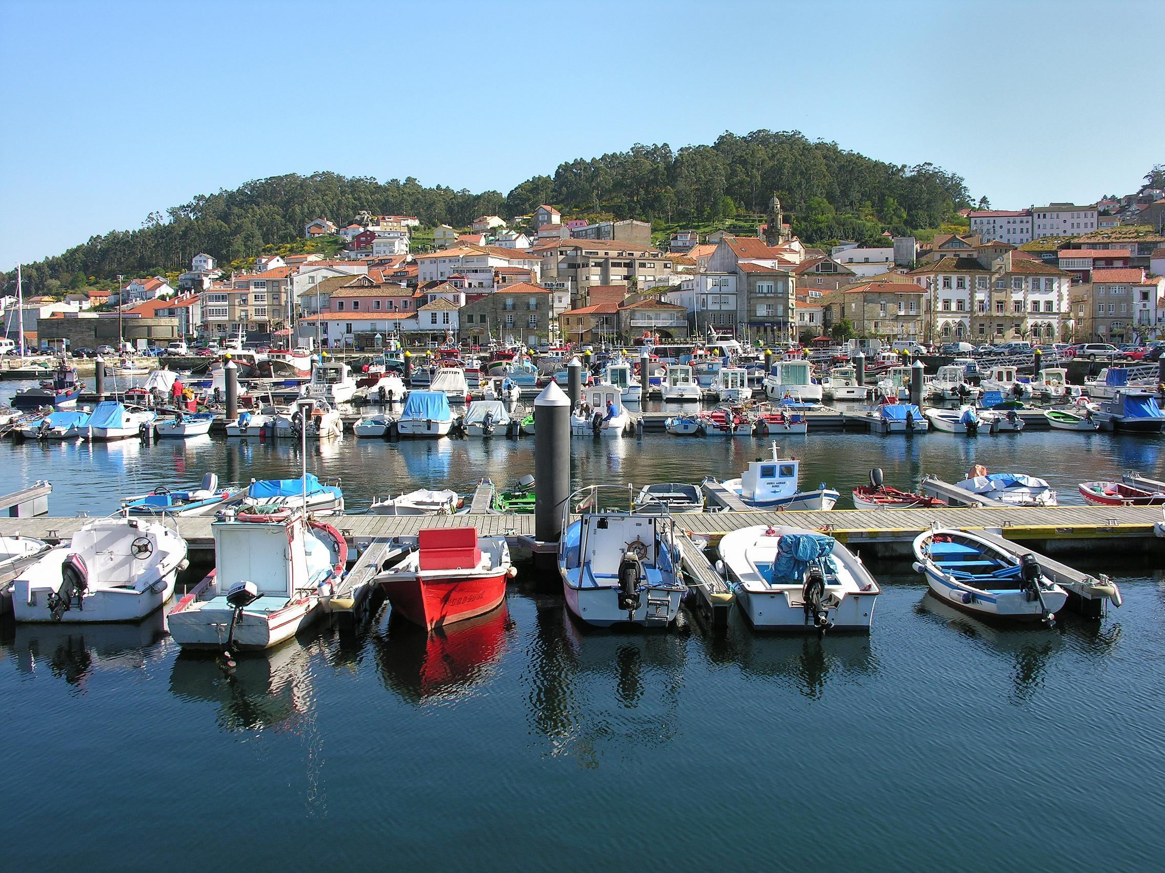 File:Muros.Galiza.04-2008.jpg - Wikimedia Commons