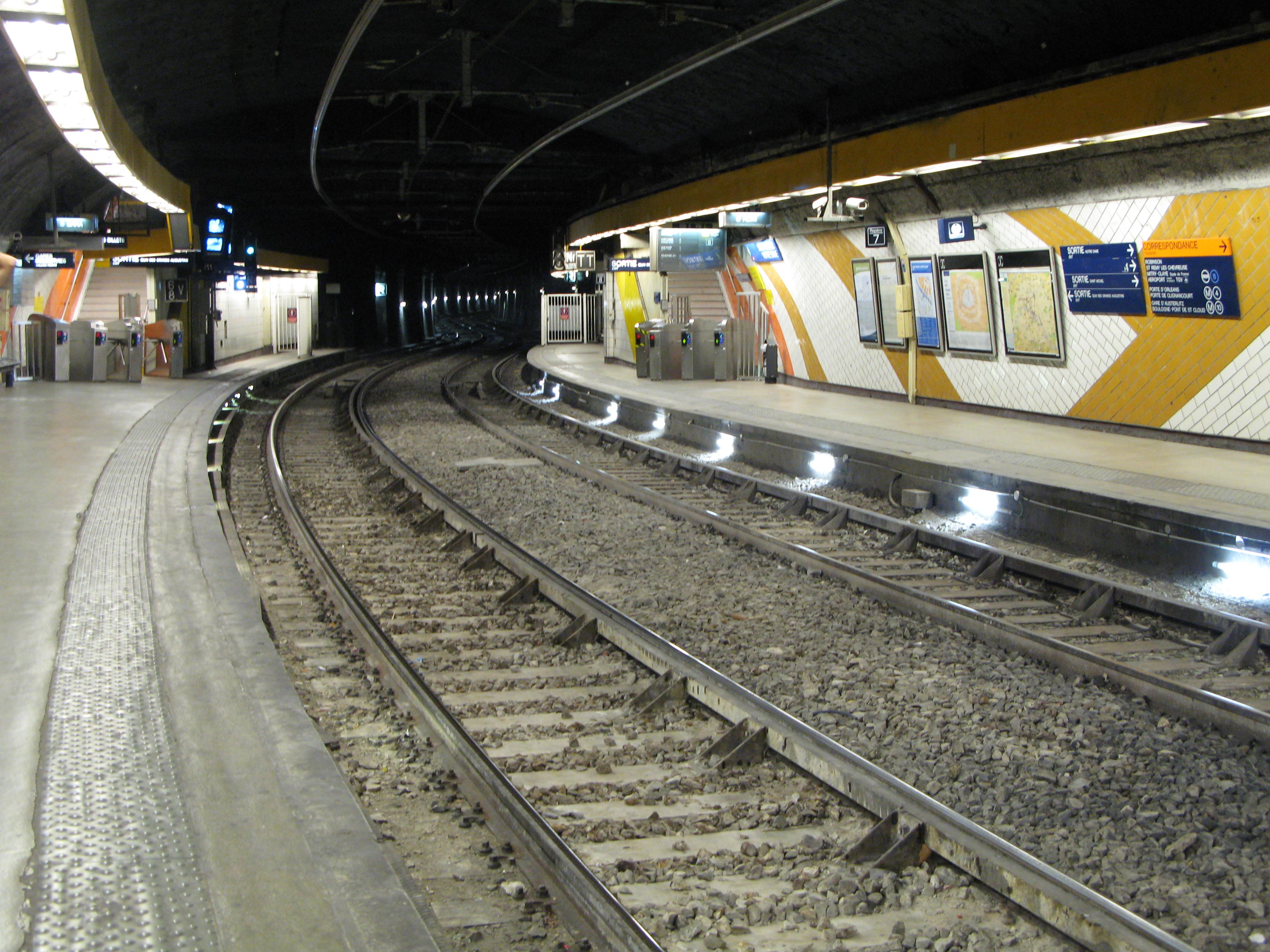 Saint michel metro - Saint michel paris metro ...