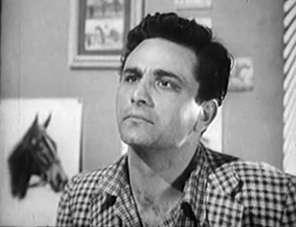 Peter Falk in Decoy episode The Comeback (2).jpg