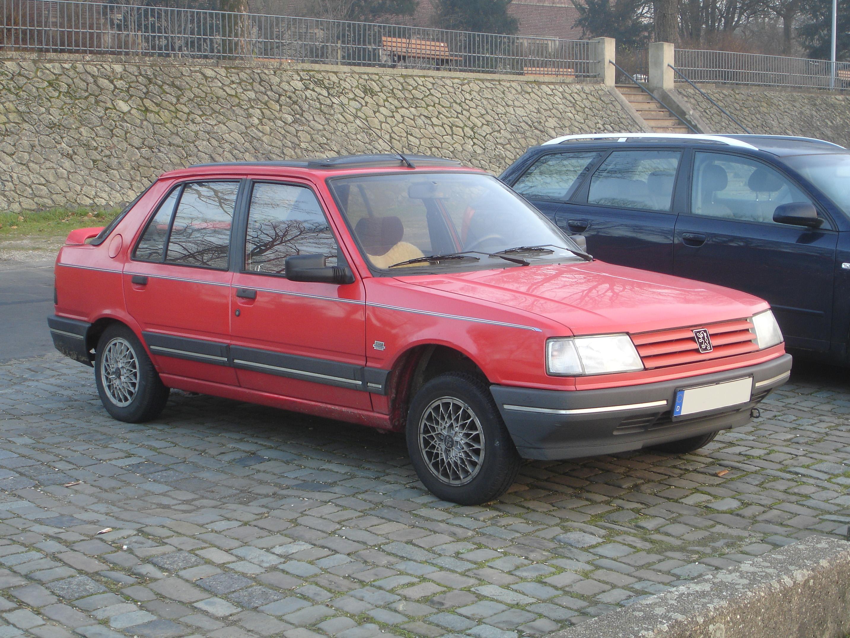 File:Peugeot-309-Schraegheck-Limousine.jpg