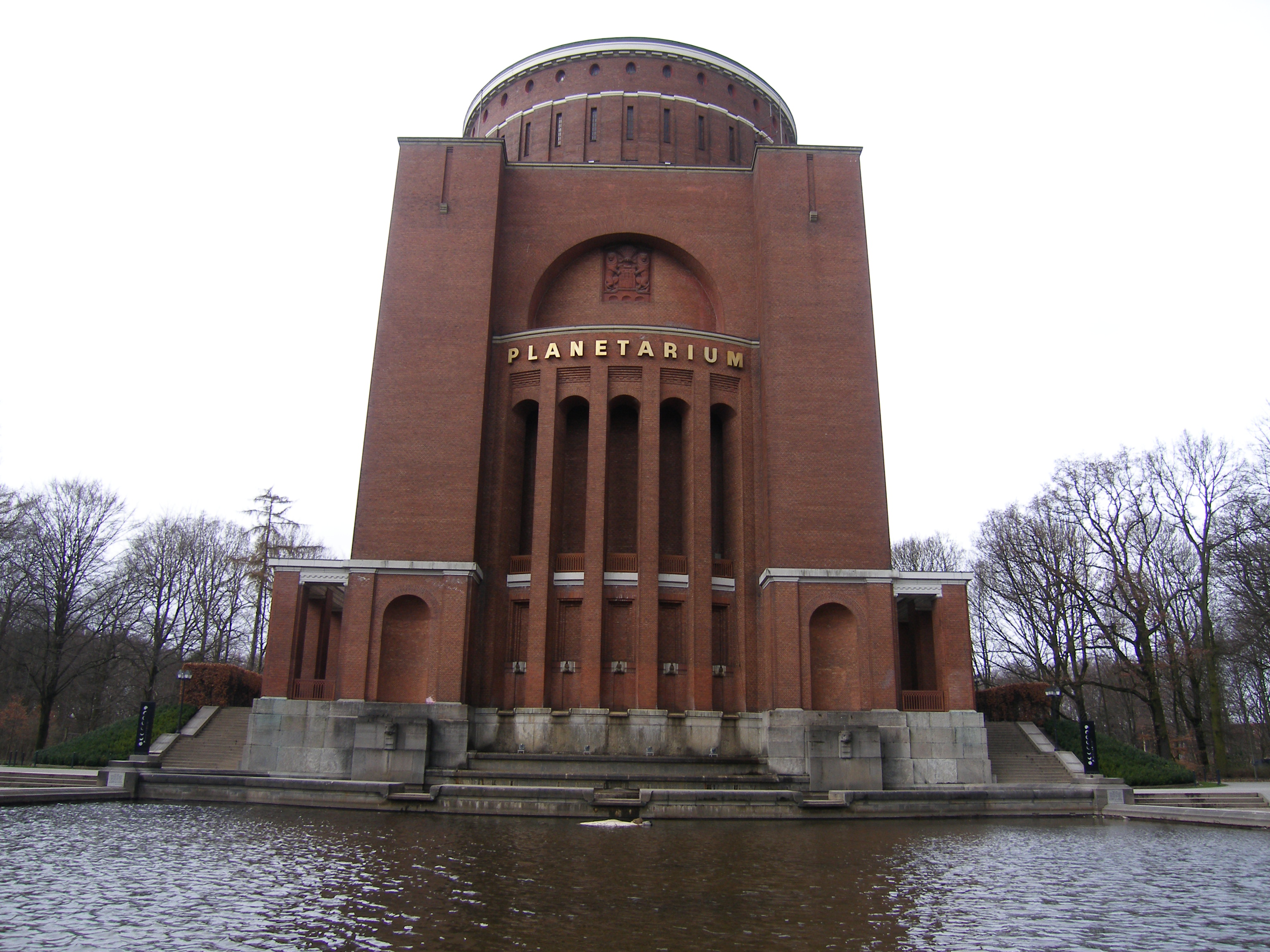 File:Planetarium Hamburg 2009-03-24 (1).jpg - Wikimedia ...  File:Planetariu...