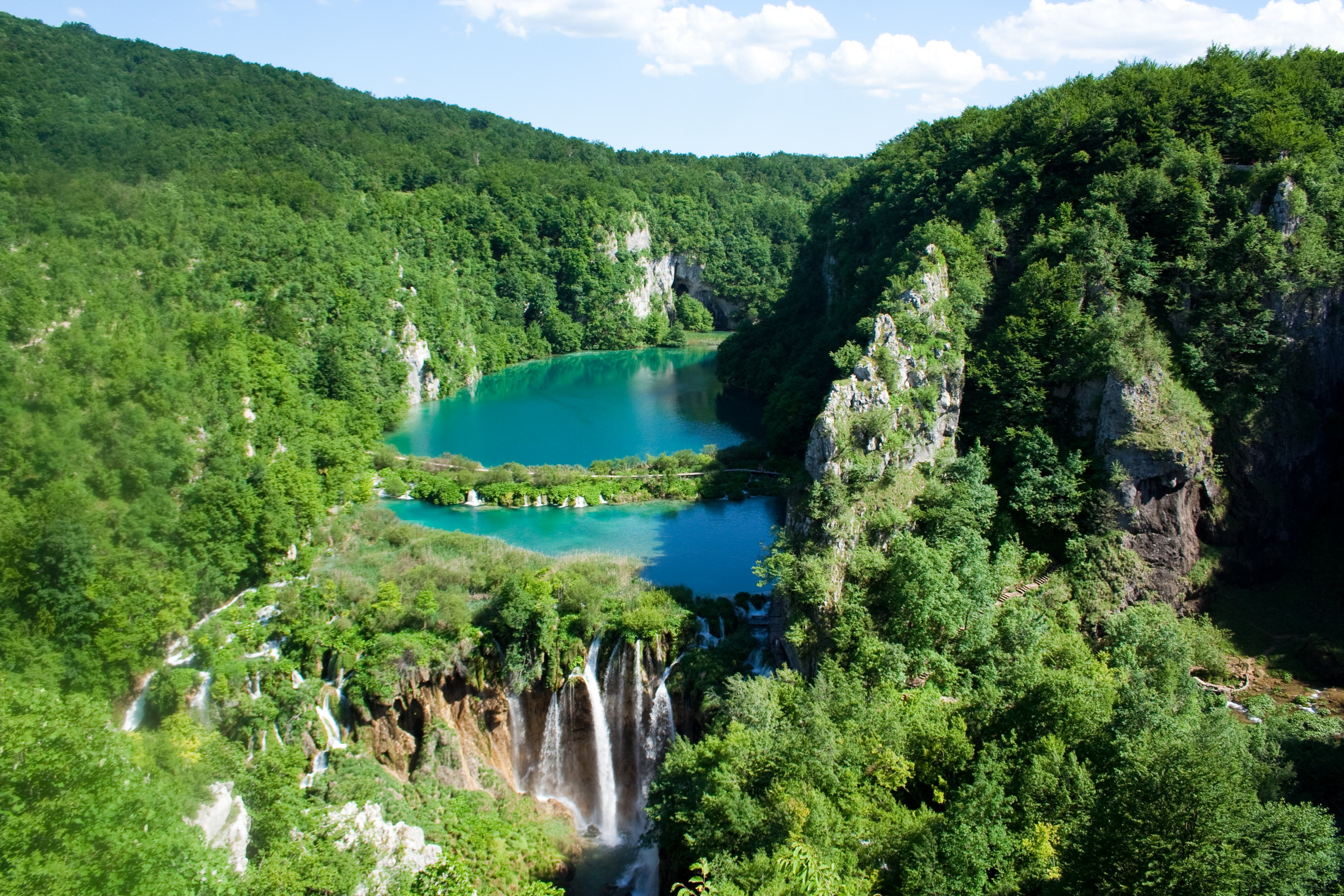 Plitvice_Lakes_National_Park_%282%29.jpg