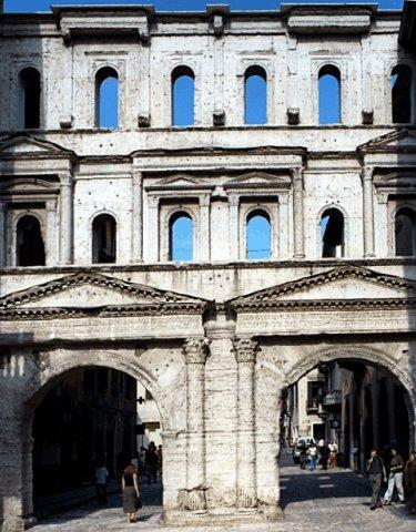 ,.-~*'¨¯¨'*·~-.¸-(فيرونا ) _)-,.-~*'¨¯¨'*·~-.¸ Porta_Borsari