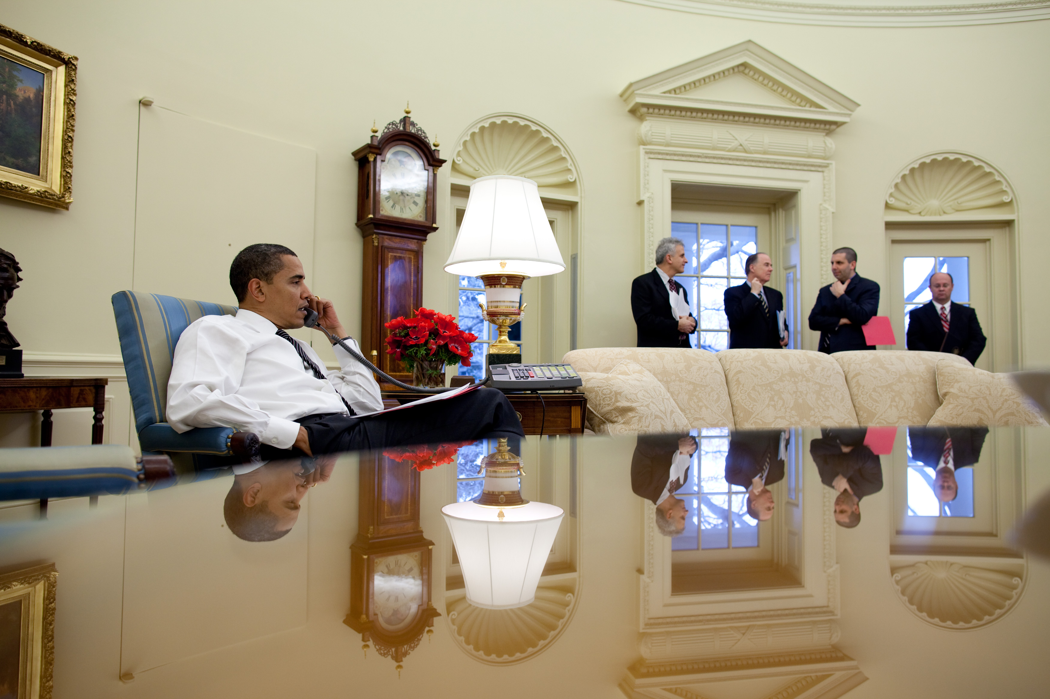 Obama calls foreign leaders in the Oval Office of the White House.jpg