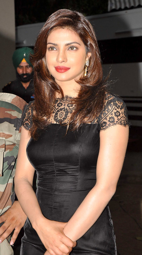 http://upload.wikimedia.org/wikipedia/commons/9/9d/Priyanka_Chopra_meets_army_jawans_%2811%29.jpg