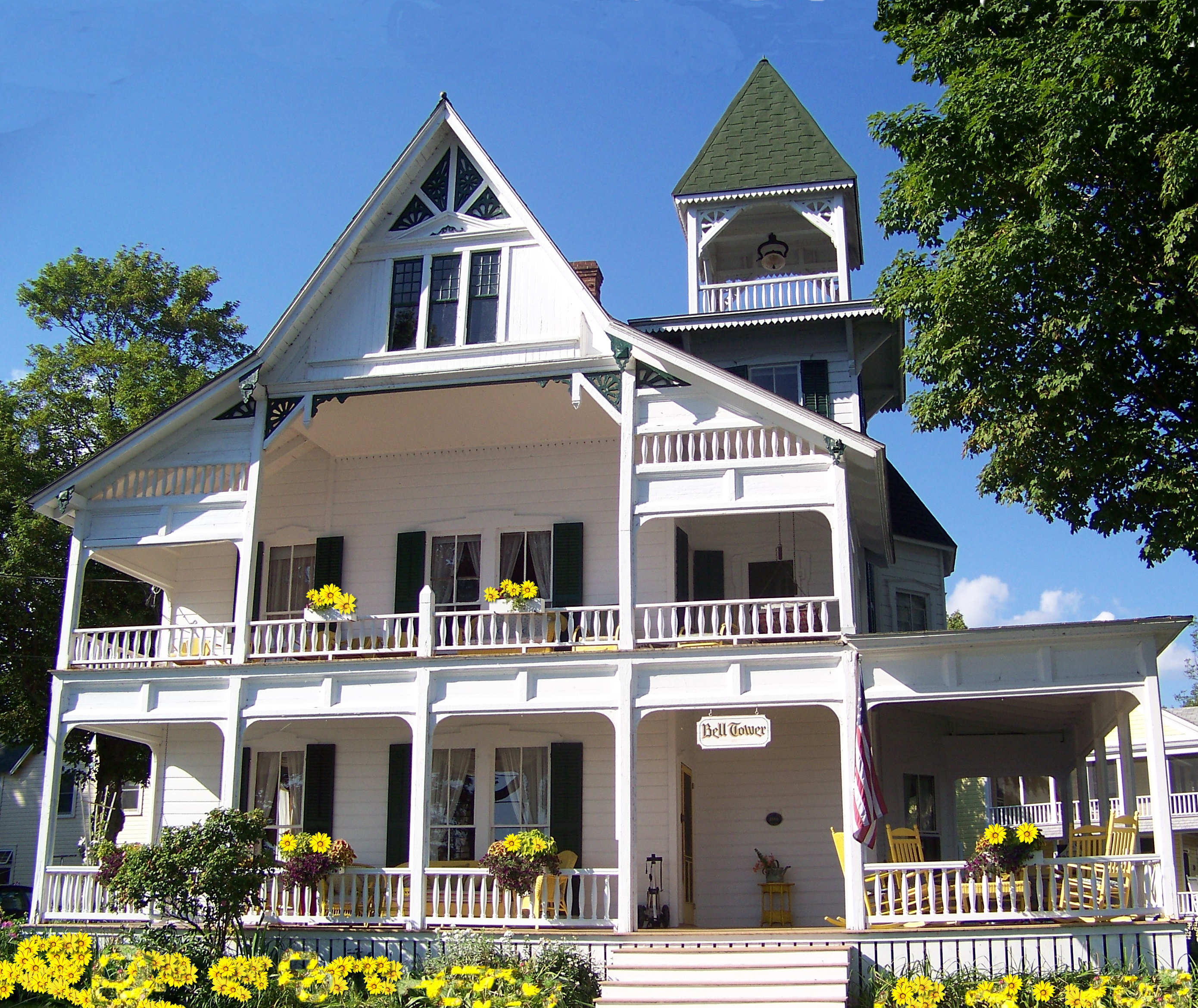 Description Queen Anne Style Architecture in Thousand Island Park.jpg