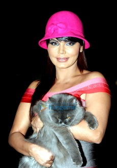 Rakhi Sawant at the premiere of 'Janleva 555'.jpg