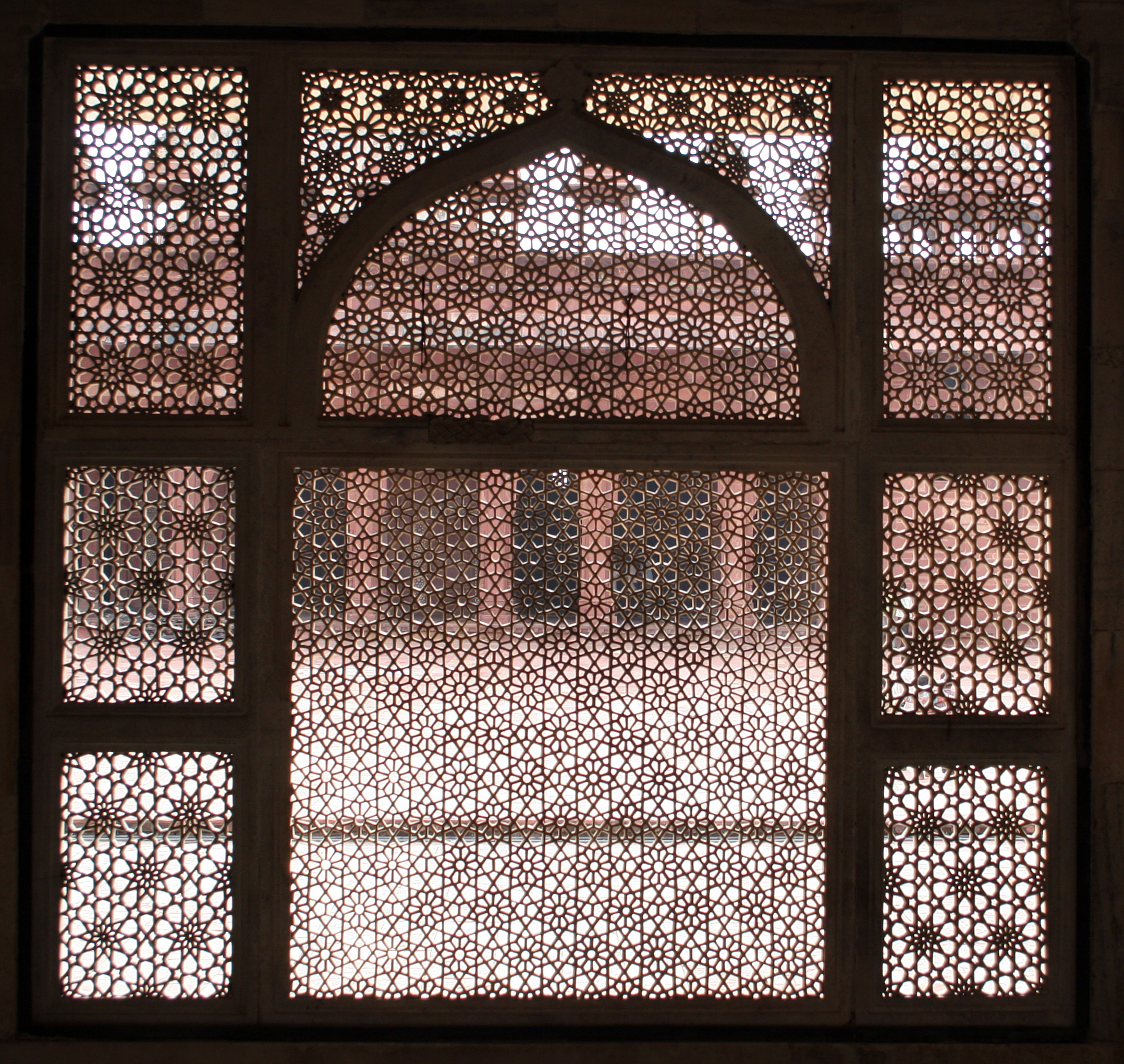 File salim chishti tomb wikimedia commons for Window design hd image