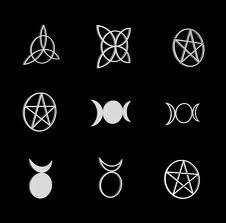 File:Simbolos wicca.jpg