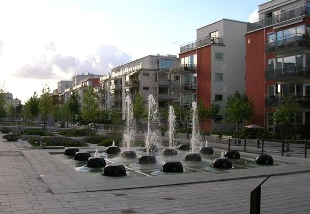 Sjöstadsparterren Södra Hammarbyhamnen Stockholm 2005-06-12.jpg