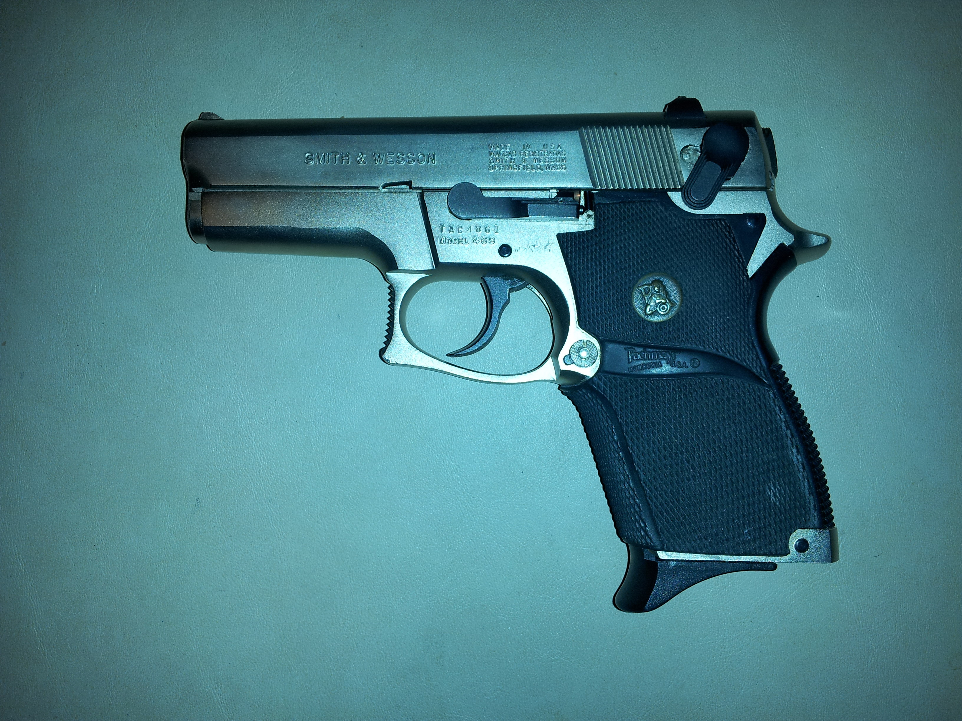Smith & Wesson Model 469 - Wikipedia