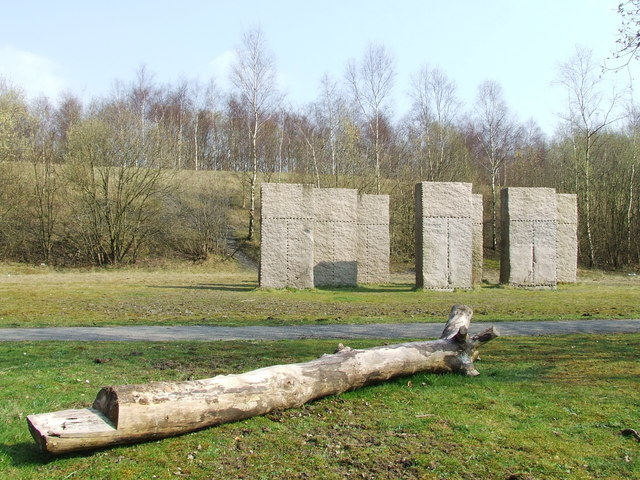 Standing stones, Outwood