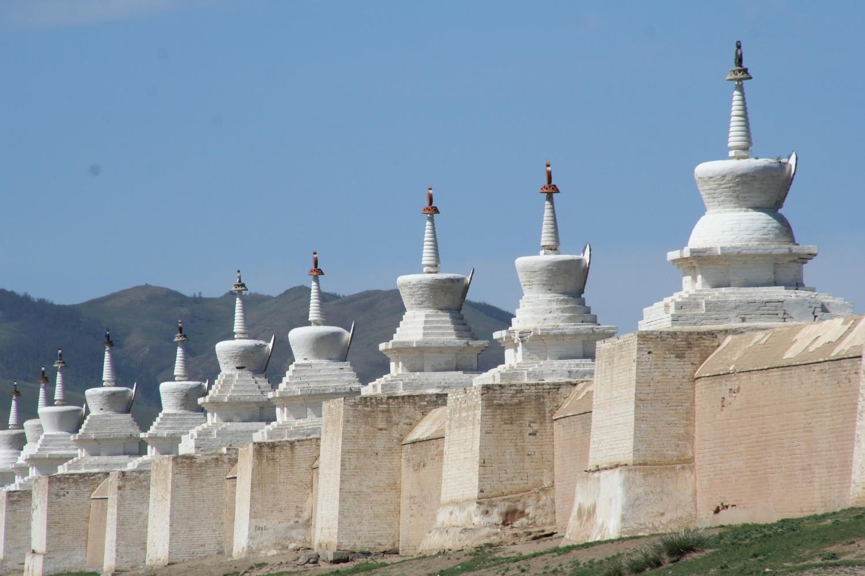 Stupas de Karakorum.jpg