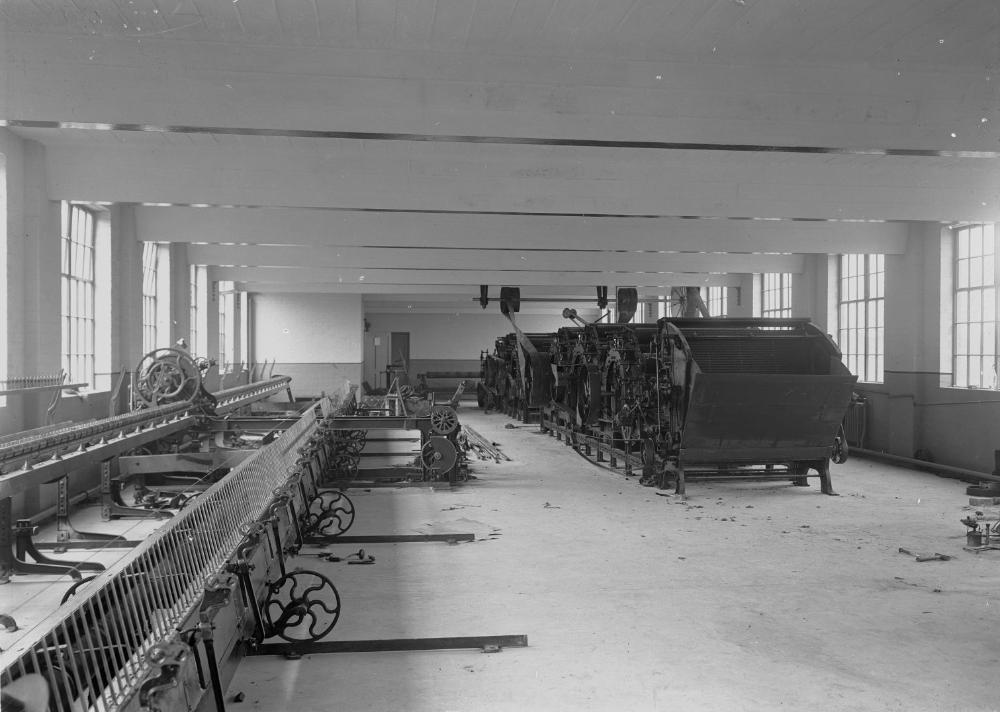 Textile machinery at Cambrian Factory, Llanwrtyd (1293993).jpg