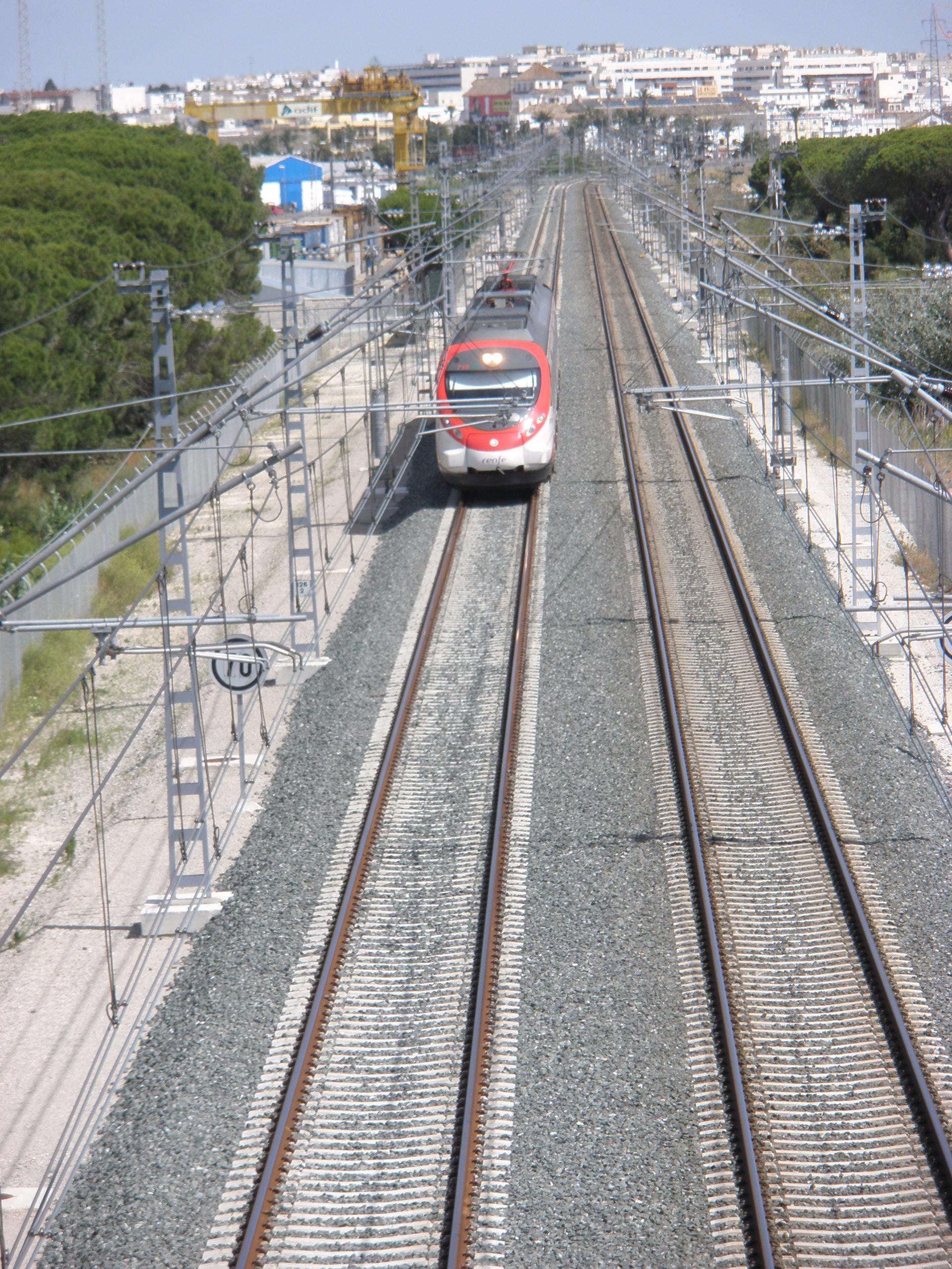 File tren llegando a la estaci n de trenes de valdelagrana el puerto de santa mar a c diz - Estacion de tren puerto de santa maria ...