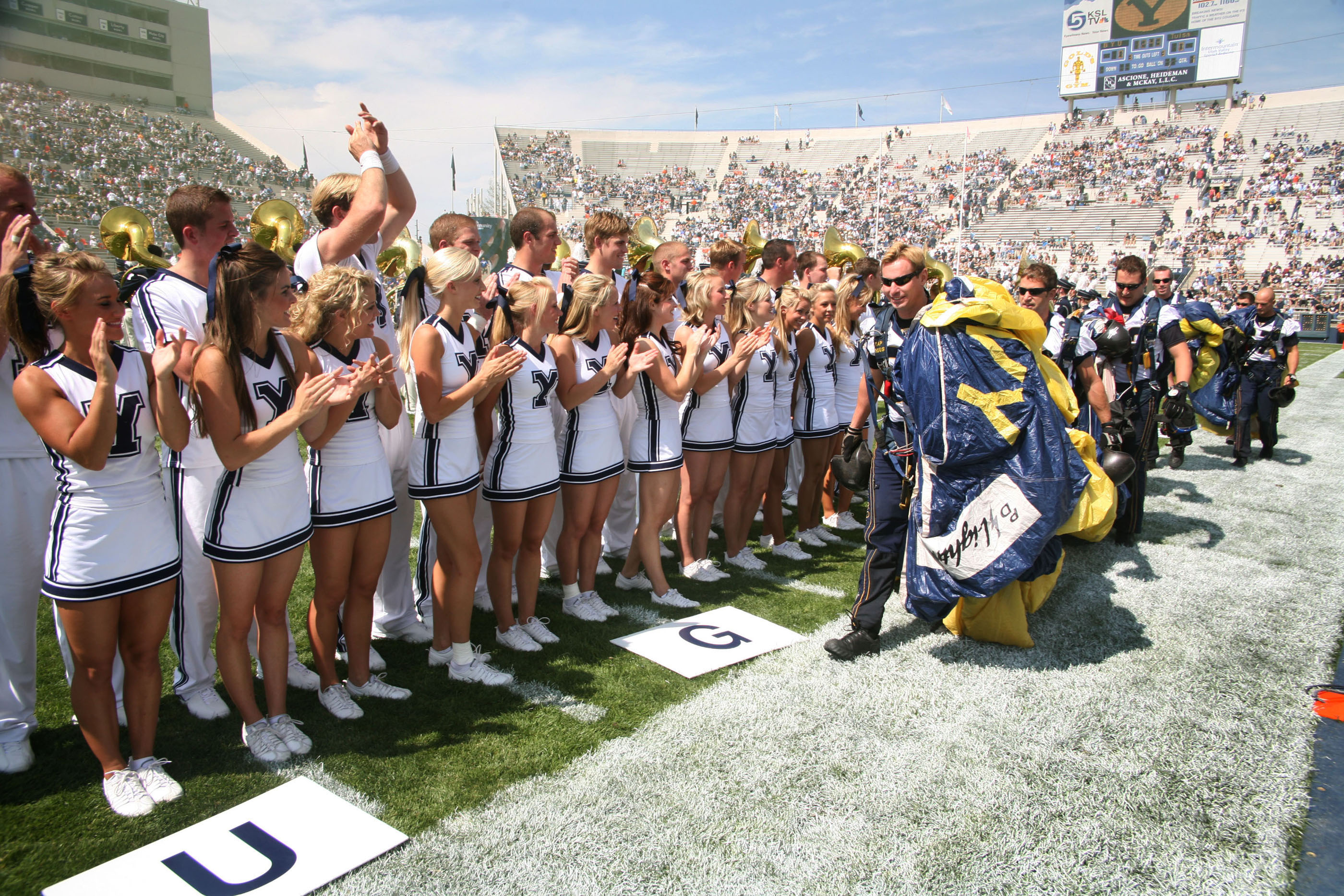File:US Navy 060909-N-3271W-002 The Brigham Young University Cheer ...