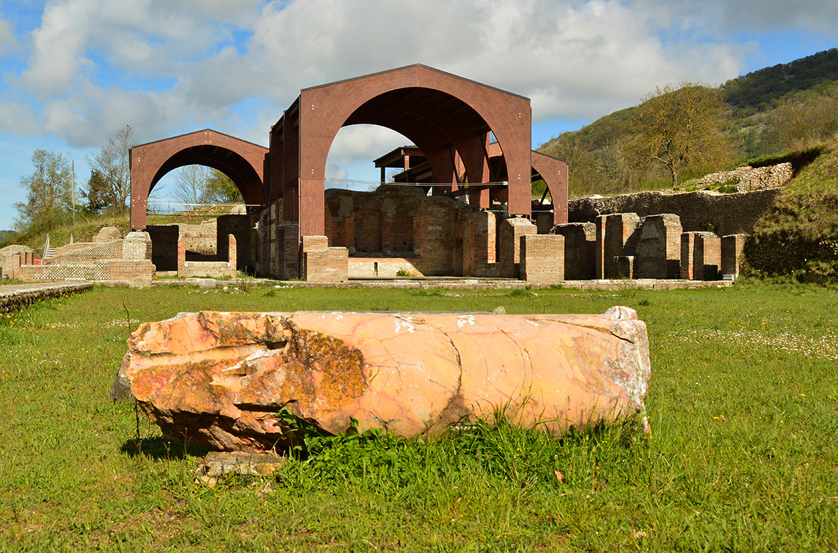 Villa di traiano wikipedia for Immagini di entrate di ville