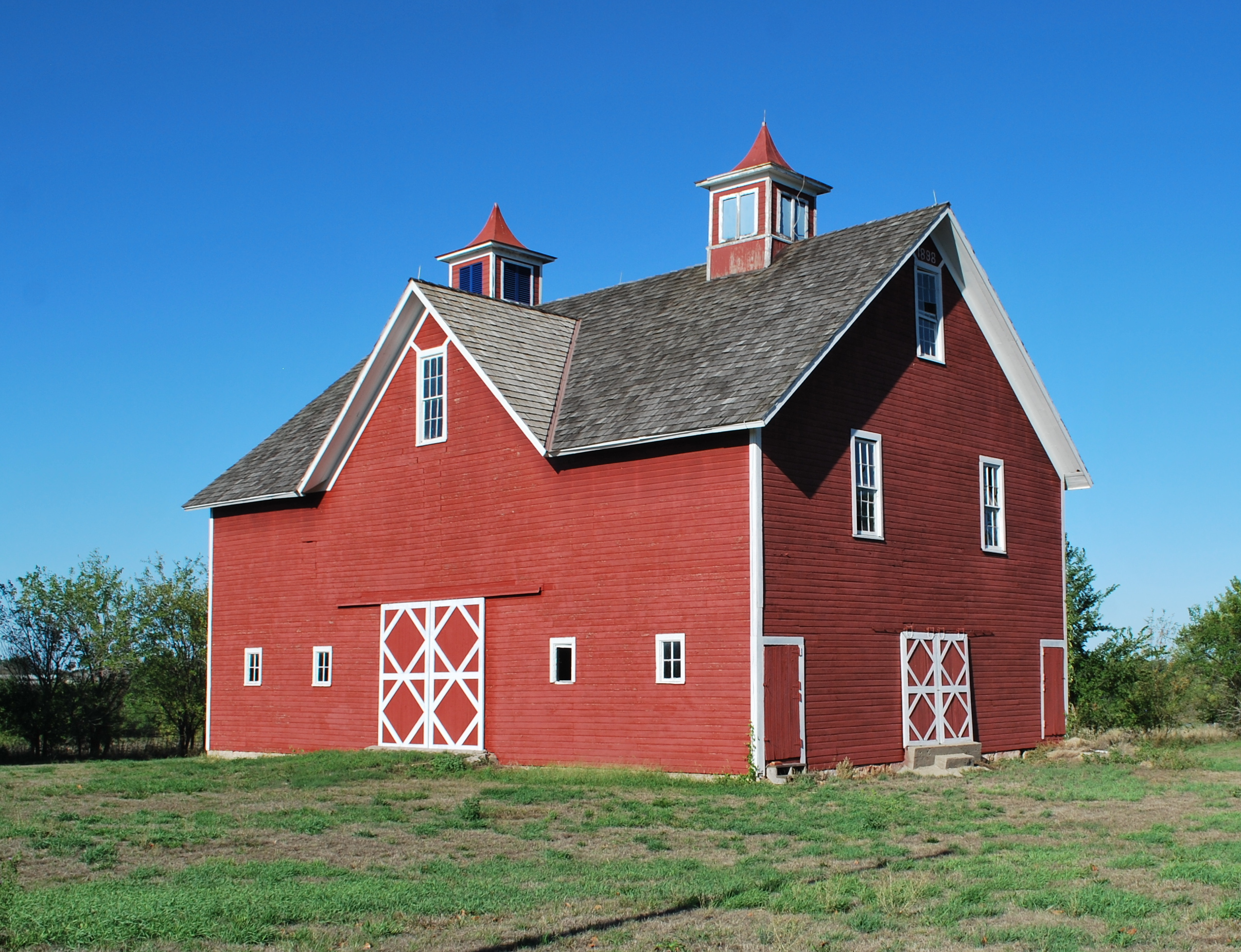 Red Barn Paint History