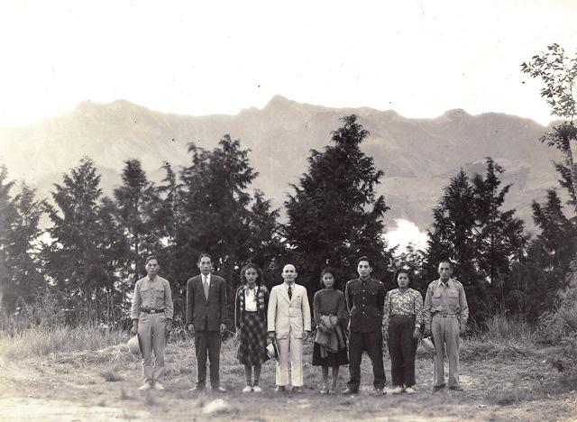 1951年,高一生、樂信·瓦旦與湯守仁於阿里山,1954年三人皆被國民政府槍決。