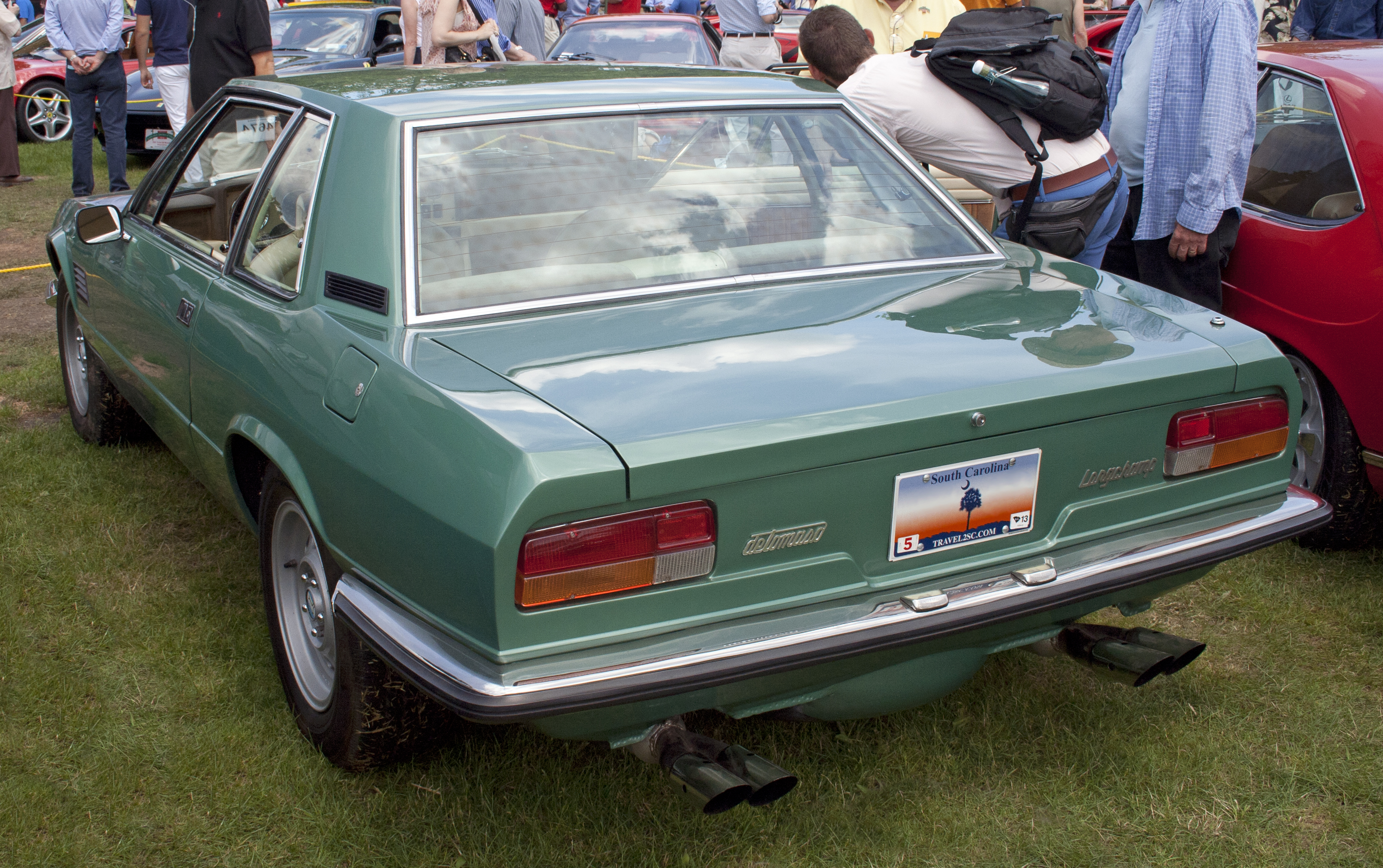 http://upload.wikimedia.org/wikipedia/commons/9/9e/1974_deTomaso_Longchamp_rear.jpg