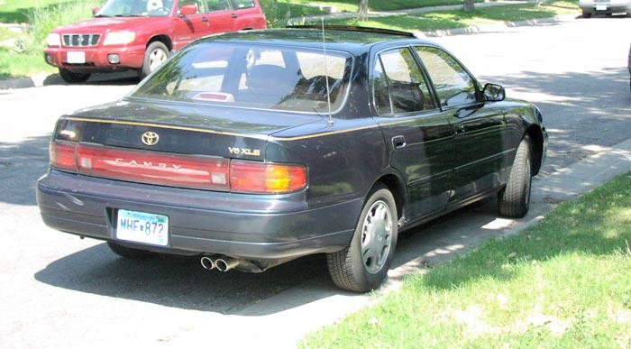 File:1993 Toyota Camry V6 XLE sedan 01.jpg - Wikimedia Commons