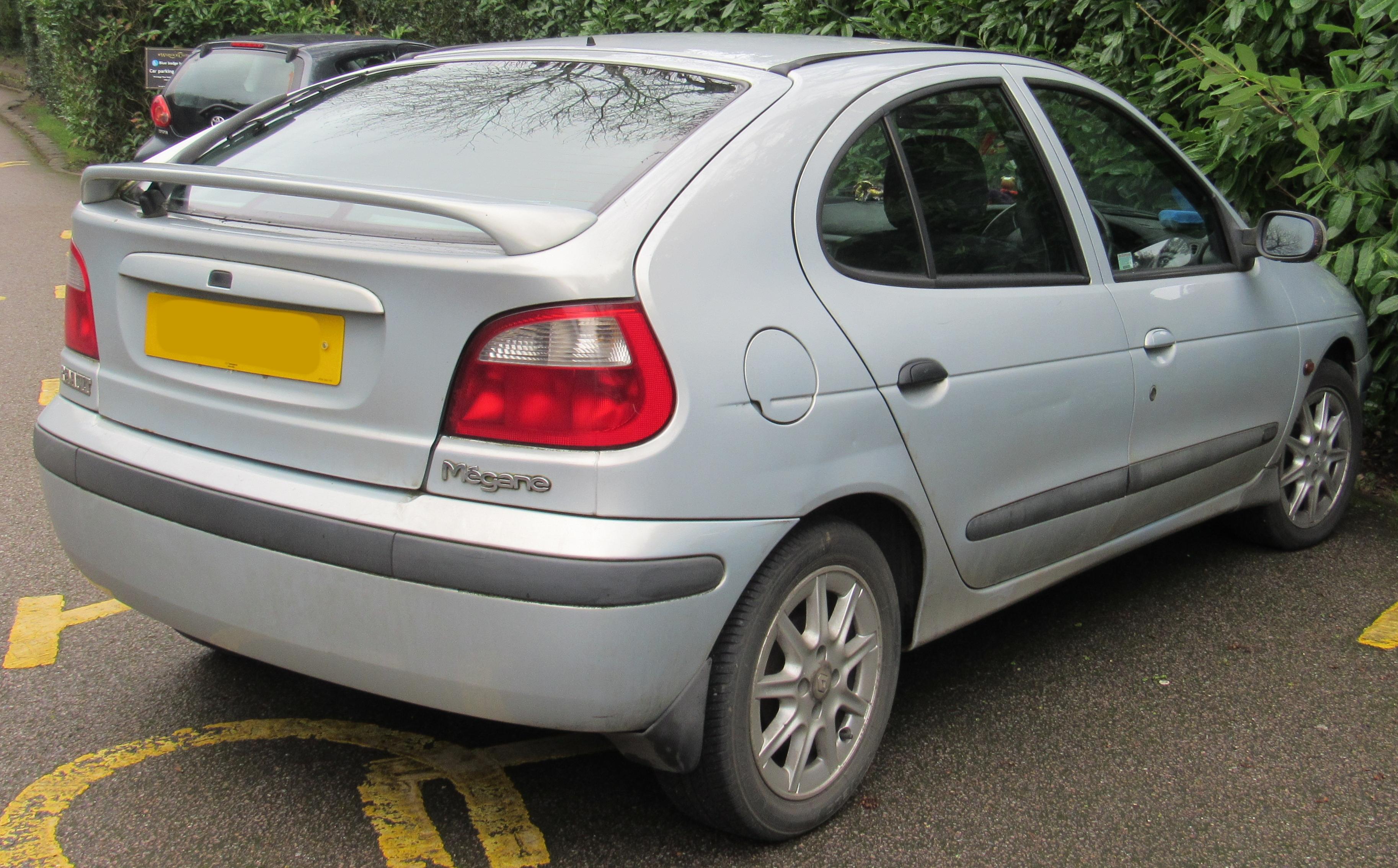 2001_Renault_Megane_Fidji_16V_1.4.jpg