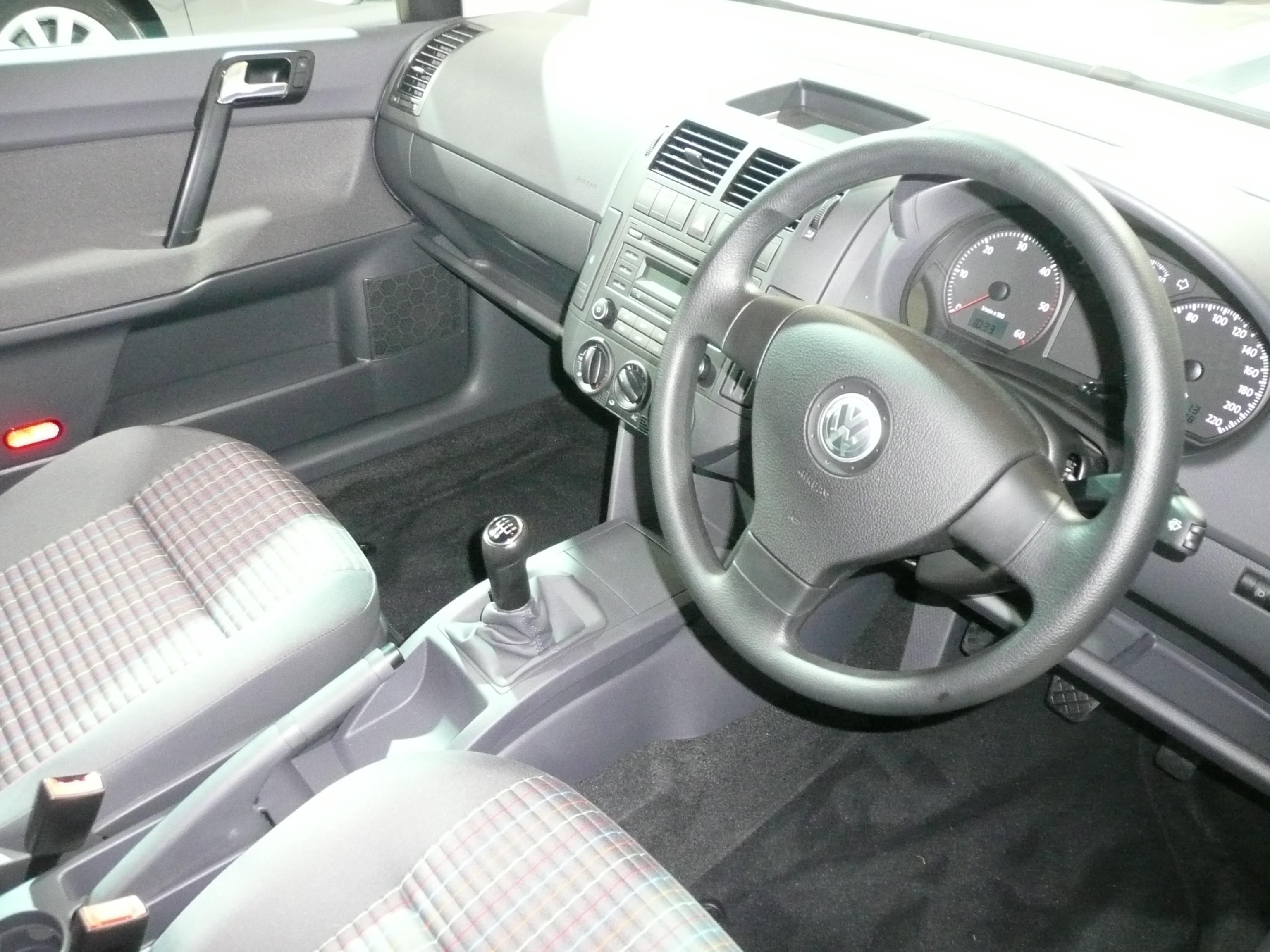 File:2006-2008 Volkswagen Polo IV BlueMotion 5-door hatchback 04.jpg ...