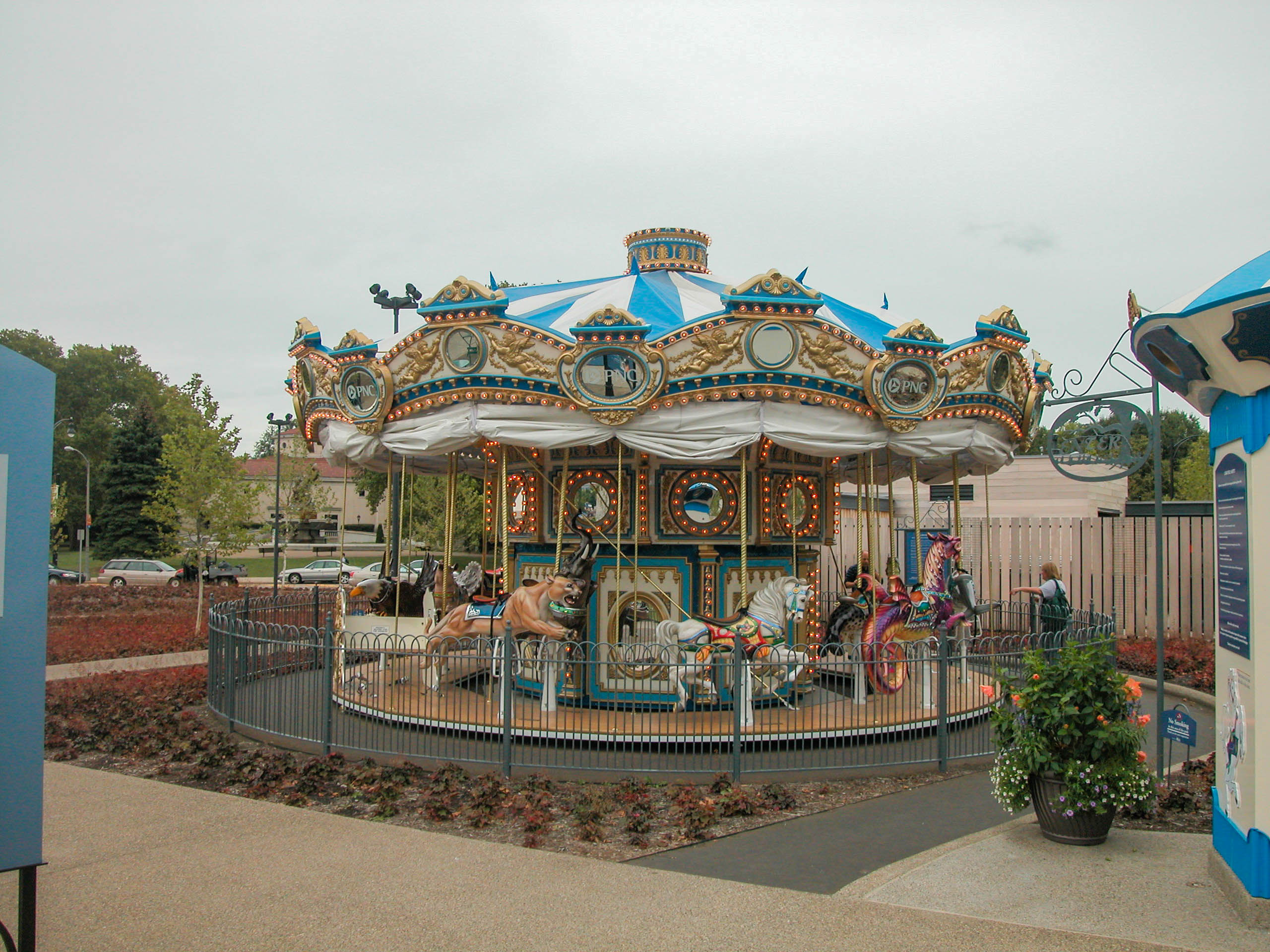 File:20060901 38 Carousel in Schenley Plaza, Pittsburgh ...