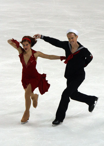 Samuelson and Bates perform their Let Yourself Go original dance at the 2008 Skate America