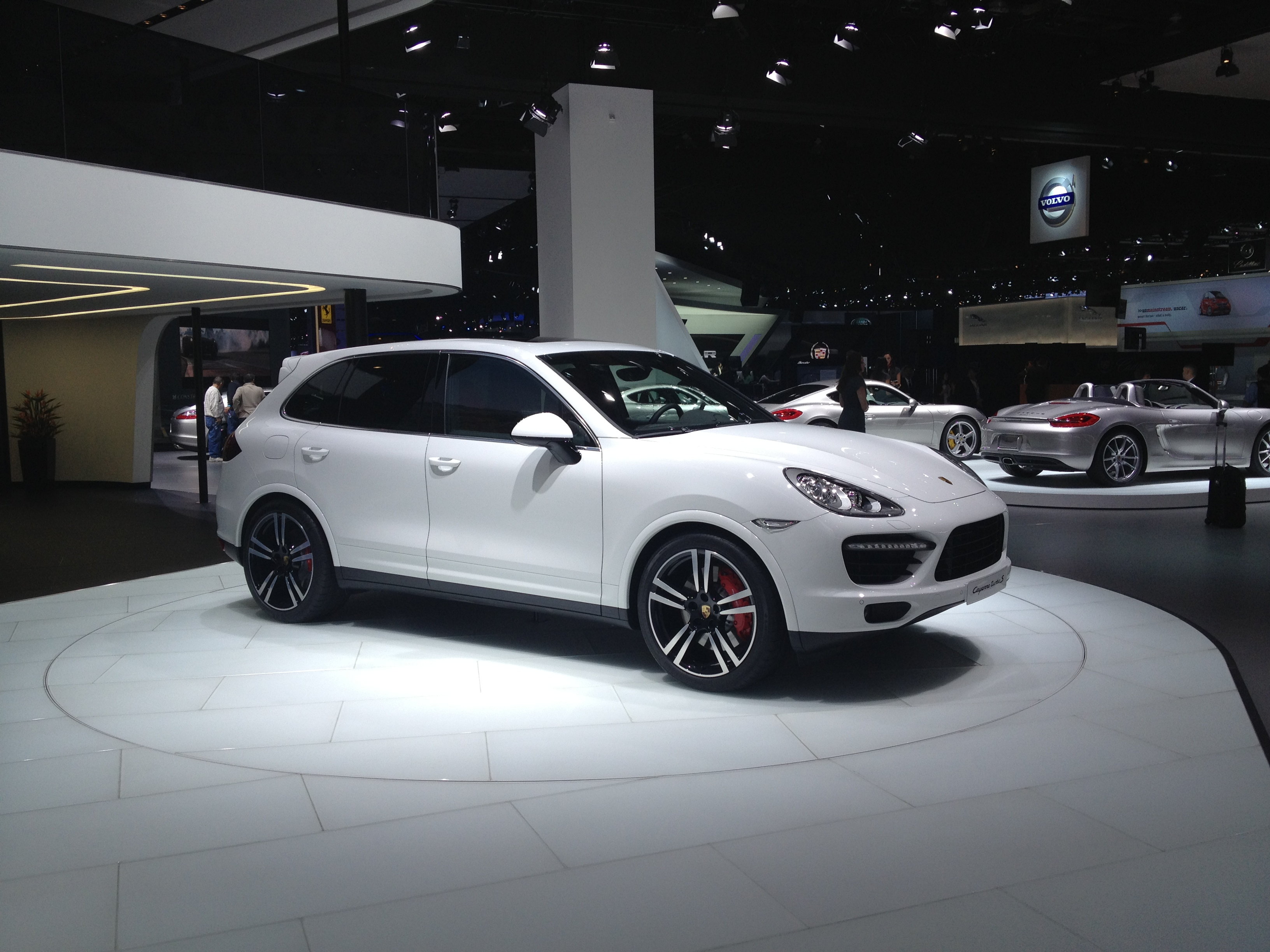 file2013 porsche cayenne turbo s 8404034506jpg - Porsche Cayenne Turbo White