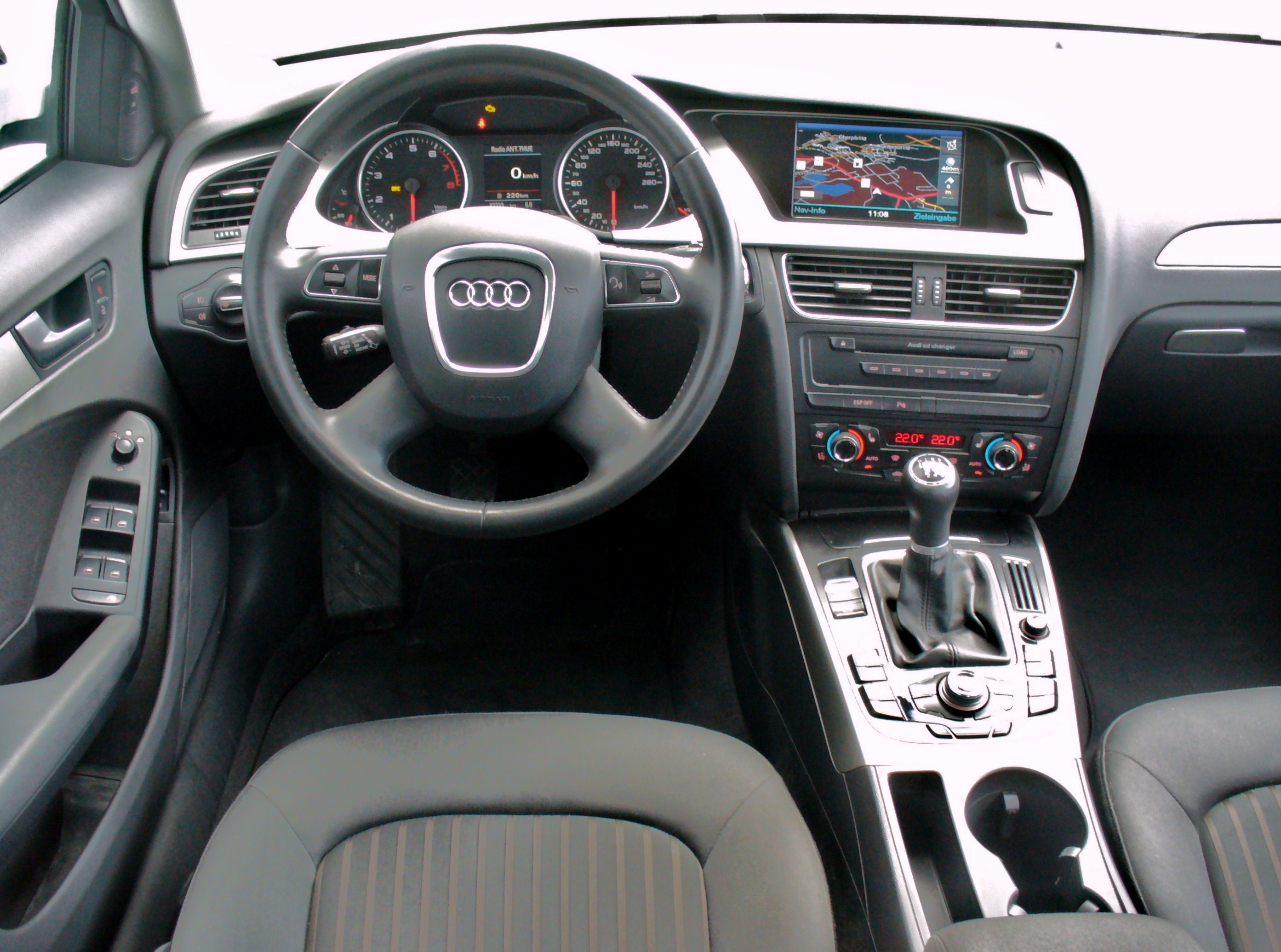 2012 audi a4 autos post for Interieur cuir audi a4