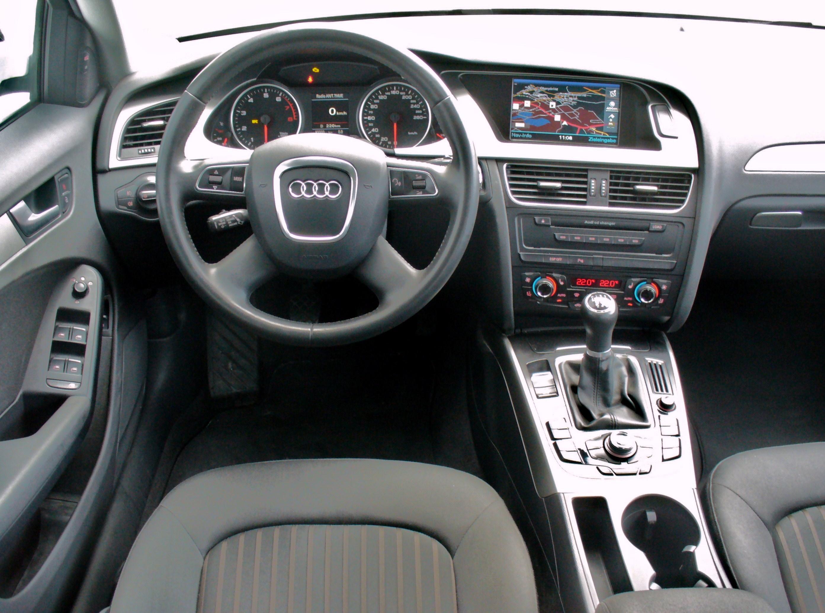 Audi a4 ambiente voiture galerie for Audi a4 interieur