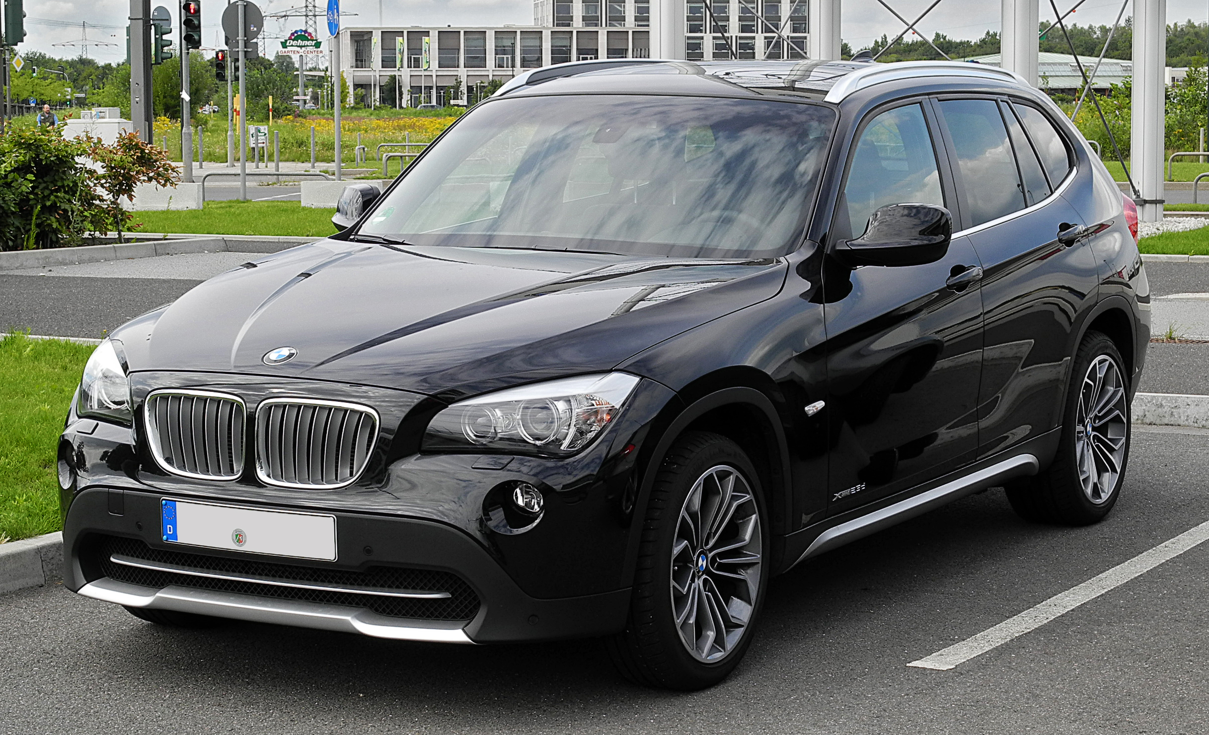 file bmw x1 xdrive23d e84 frontansicht 2 juli 2011. Black Bedroom Furniture Sets. Home Design Ideas
