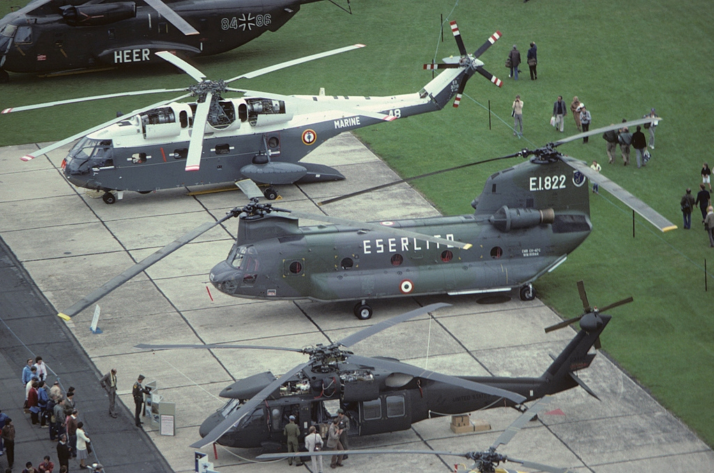 boeing ch 47 chinook helicopter with File Boeing  Elicotteri Meridionali  Ch 47c Chinook  219   Italy   Army An1778065 on File Boeing Vertol BV 347 Chinook  65 7992   10509105573 further Top 10 Fastest Helicopters World together with Big also Chinook Boeing Ch 47 Chinook Ch 47 32761 besides File CH 47 lifting F 86L at Wendover Utah 2008.