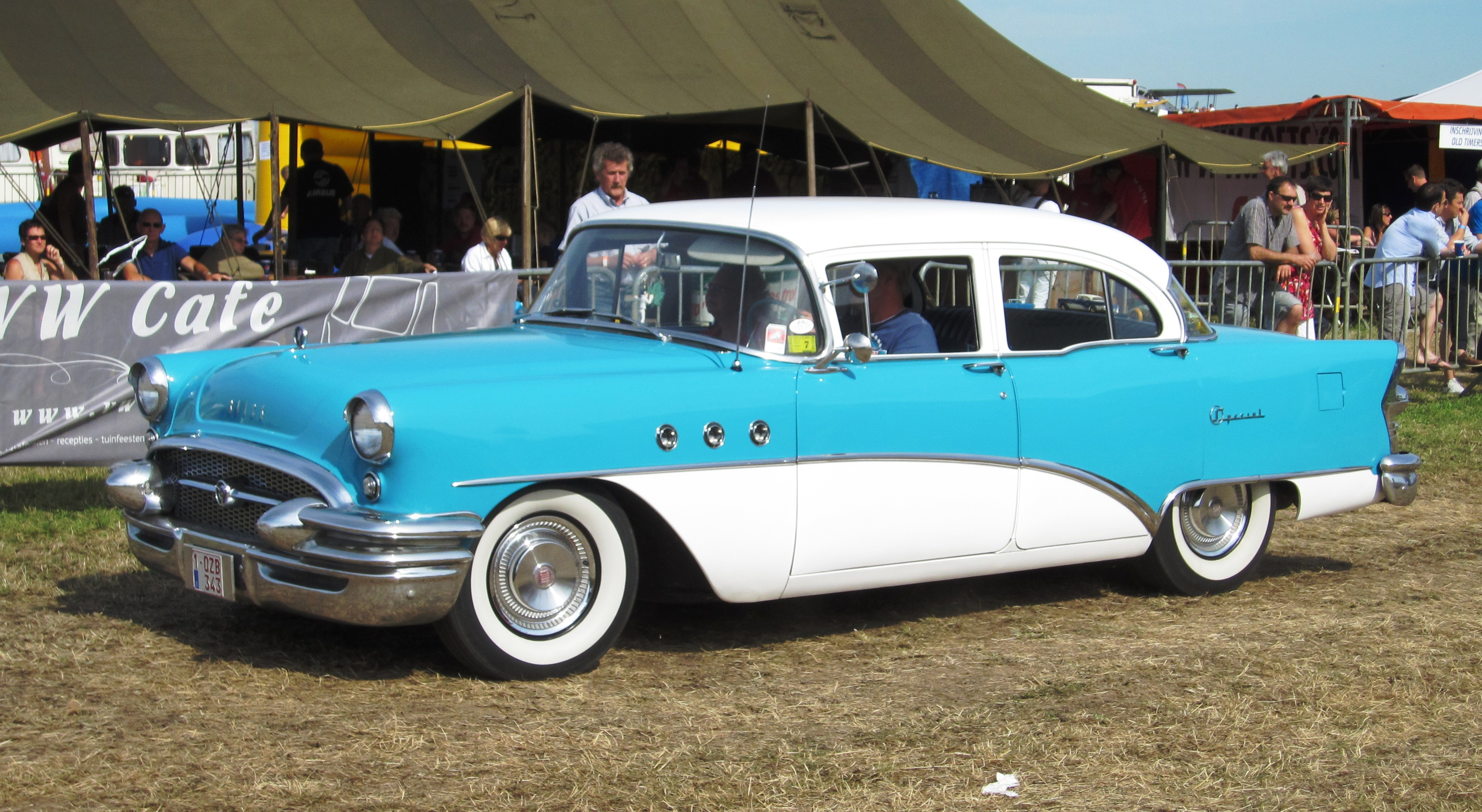 File Buick Special Sedan Ca 1955 Jpg Wikimedia Commons